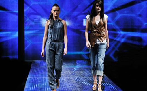 Influence-of-fashion-shows-on-the-fashion-market-and-on-society_small