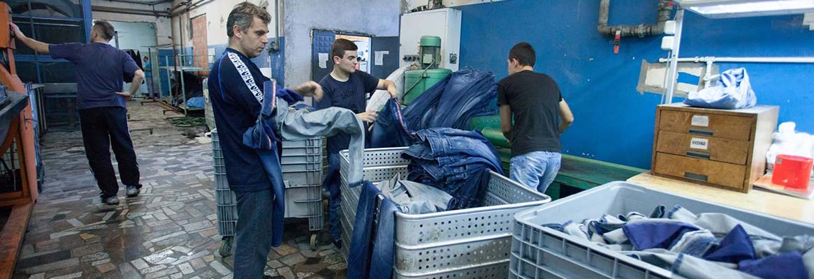 Fabric and Garment Finishing: Basic Washes in Denim Fabric