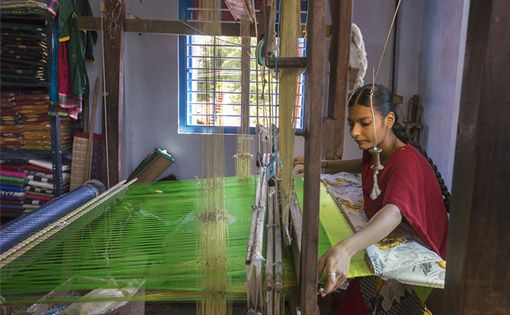 The fine art of Pochampalli weavers
